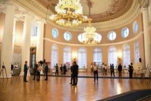 Лучшие фотоработы российских и иностранных студентов показали в Таврическом дворце