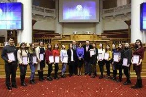 В Таврическом дворце наградили волонтеров осенней сессии МПА СНГ