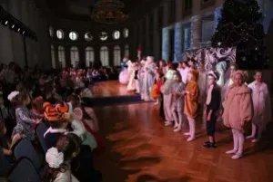 В Таврическом дворце прошел новогодний бал для детей из многодетных семей