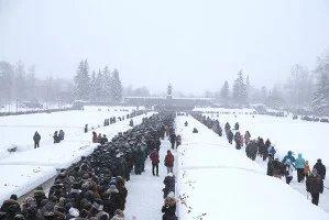 Делегации МПА СНГ и ПА ОДКБ приняли участие в торжественно-траурной церемонии на Пискаревском мемориальном кладбище