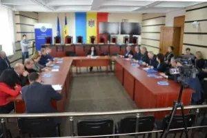 Наблюдатели от МПА СНГ продолжают работу в Кишиневе