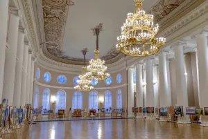 Выставка, посвященная 90-летию Чингиза Айтматова, представлена в Сети в виде виртуального тура