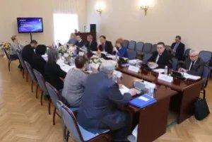 В Таврическом дворце обсудили модельные законопроекты в сфере науки и образования