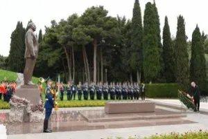В Азербайджанской Республике отметили 96-ю годовщину со дня рождения Гейдара Алиева