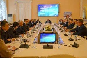 Члены Общественной палаты Санкт-Петербурга обсудили в Таврическом дворце вопросы социальной и трудовой адаптации мигрантов