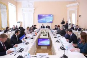 Парламентарии стран Содружества обсудили в Таврическом дворце законопроекты в сфере труда и миграции