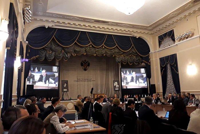 В Санкт-Петербурге проходит конференция, посвященная Женевским конвенциям о защите жертв войны