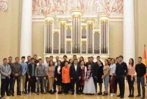 Нурбек Сатвалдиев провел в Таврическом дворце ежегодную встречу со студентами петербургских вузов