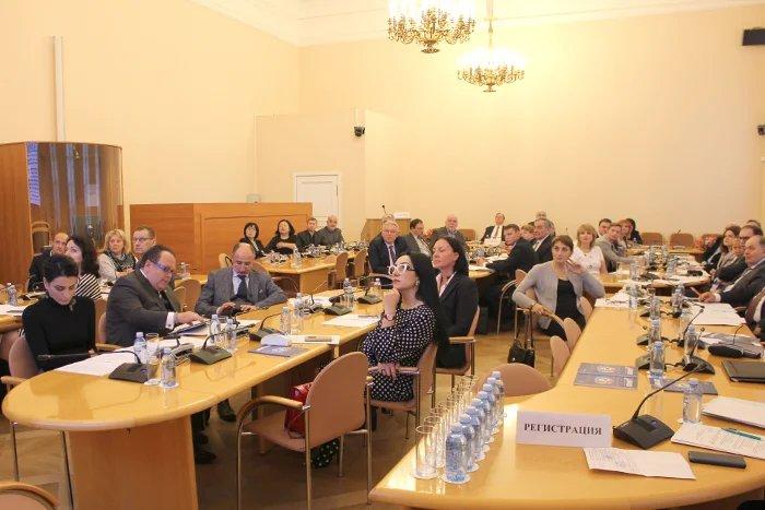 В Таврическом дворце эксперты в области здравоохранения обсудили вопросы биобезопасности стран СНГ в случае пандемии гриппа