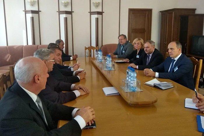 Наблюдатели от МПА СНГ провели встречу с представителями партий и общественных объединений Республики Беларусь