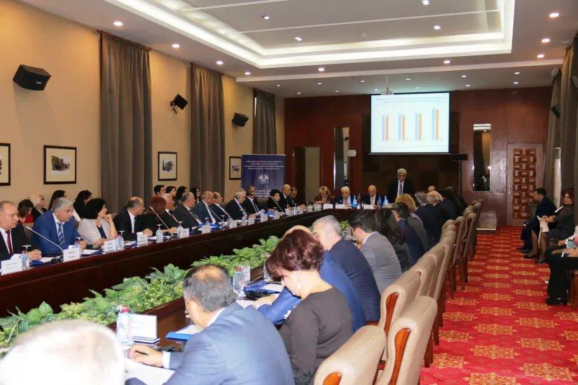 В Баку обсудили роль органов местного самоуправления в строительстве гражданского общества