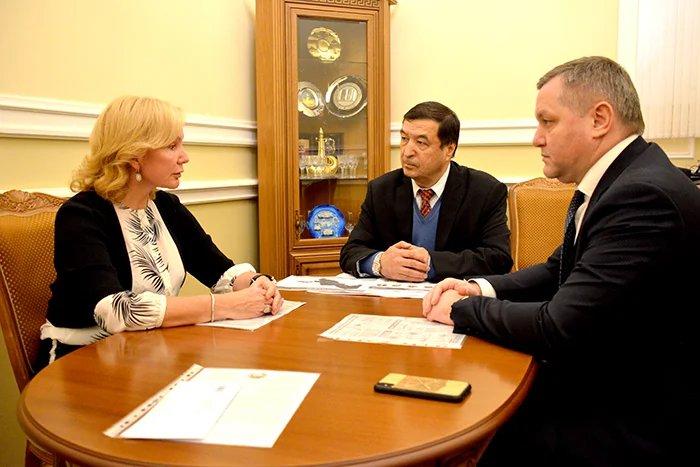 Дмитрий Кобицкий встретился с исполняющим обязанности Генерального консула Республики Узбекистан в Санкт-Петербурге Зафаром Абдурахмановым