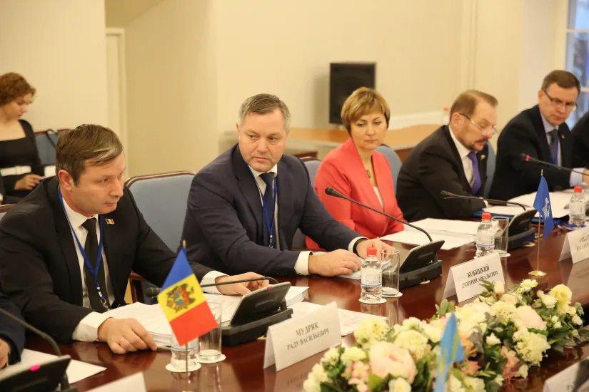 В Таврическом дворце состоялось заседание Постоянной комиссии по аграрной политике, природным ресурсам и экологии