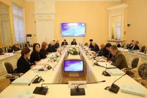 В Таврическом дворце прошло заседание Постоянной комиссии по науке и образованию