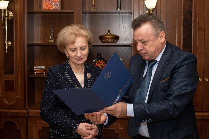 Секретариат Совета МПА СНГ поздравил с днем рождения Зинаиду Гречаный