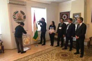 Выборы в Таджикистане: наблюдатели от МПА СНГ проводят мониторинг голосования на зарубежных избирательных участках