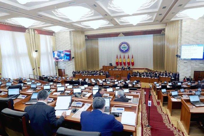 Жогорку Кенеш Кыргызской Республики одобрил закон об ответственности за нарушения санитарно-эпидемиологических правил