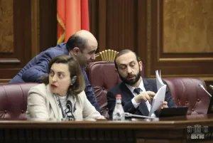 Национальное Собрание Республики Армения утвердило продление срока чрезвычайного положения в стране еще на месяц