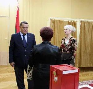 Группа международных наблюдателей от МПА СНГ отправляется на участки в Минске знакомиться с ходом досрочного голосования