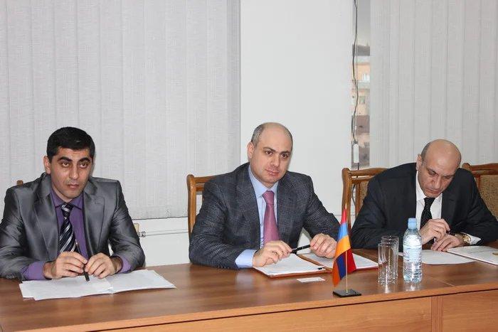 Международные наблюдатели от МПА СНГ встретились с заместителем начальника Полиции Республики Армении Артуром Осикяном