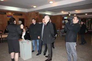 В Республике Армения выбирают Президента. Международные наблюдатели отметили активность избирателей